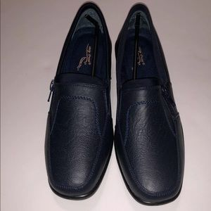 NWT in box Easystreet navy stretch comfort Edith 7